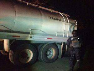 En Nuevo León, PF asegura más de 60 mil litros de diésel sustraído de manera ilegal.