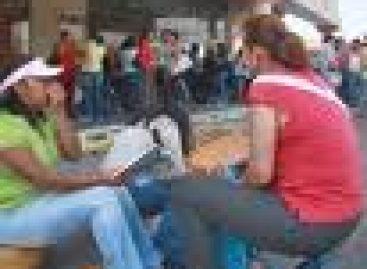 Continuan movilizaciones de maestros