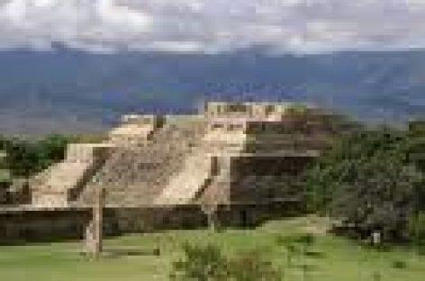 Realizan paro trabajadores del INAH en Oaxaca