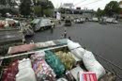 Inician empleados de limpia paro de labores en Oaxaca