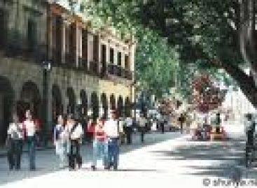 Instalan mesa de negociación autoridades y ambulantes en Oaxaca