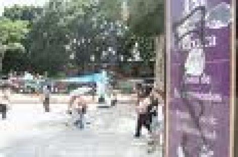 Instalan maestros plantón en zócalo de Oaxaca
