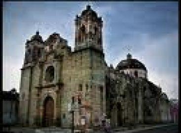 Cortejo fúnebre del párroco del templo de Las Nieves