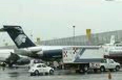 Exigen trabajadores oaxaqueños rescate de Mexicana de Aviación