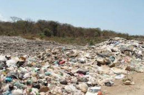 Cierran colonos basurero en Oaxaca; exigen cierre definitivo
