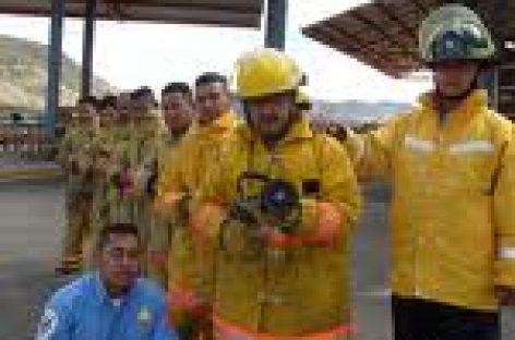 Ofrece Gabino Cué consolidar labor de bomberos oaxaqueños