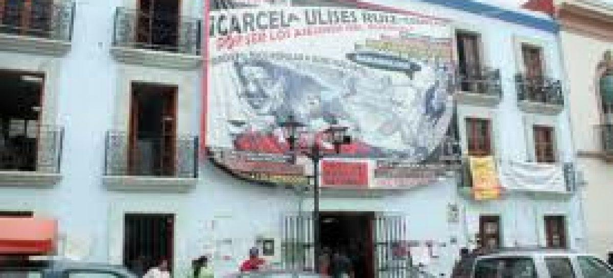 Mantienen huelga de hambre profesores en Oaxaca