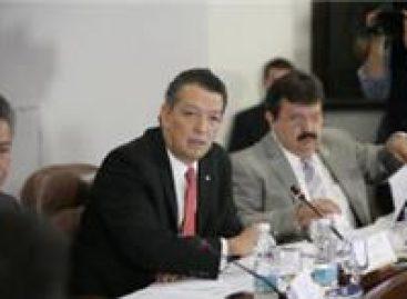 Solicitan legisladores controversia contra Felipe Calderón por Cofetel
