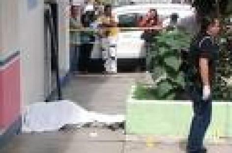 Exigen trabajadores del COBAO esclarecer homicidio de su líder sindical