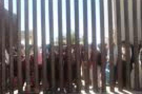 Realizan protestas durante sesión para exonerar a URO