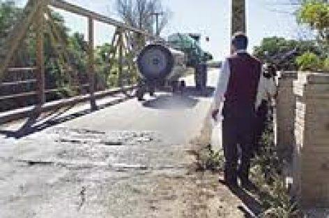 Colapsa puente en el ejido Guadalupe Victoria, en Oaxaca