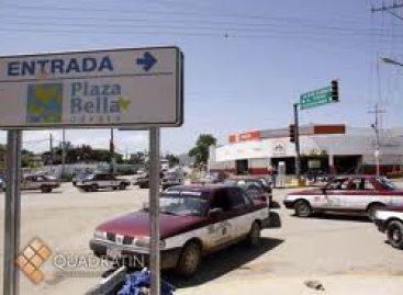 Bloquean taxistas crucero de Atzompa; exigen revocar concesiones