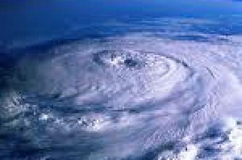 """Podría """"Frank"""" convertirse en huracán; piden extremar precauciones"""