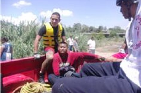 Casi muere ahogado en el Atoyac, luego de robar unas arracadas