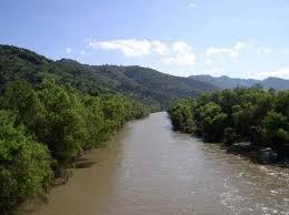 Aumento caudal del río
