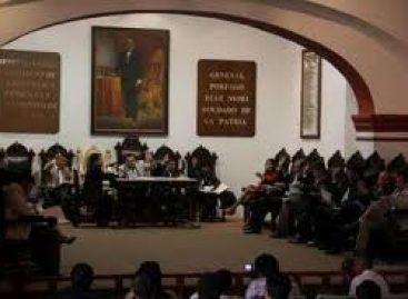 Suspenden sesión de Cabildo; mototaxistas realizan protesta
