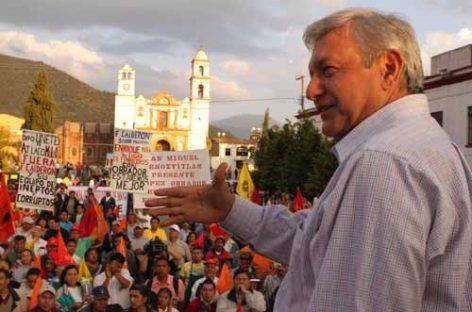 Propone López Obrador constitución de empresa contrate a electricistas despedidos por Calderón, pide apoyo a diputados del PRI