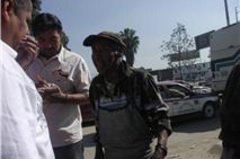 Imprudente urbanero atropella a anciano en el periférico