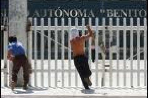 Entregan instalaciones de Ciudad Universitaria para evitar un enfrentamiento