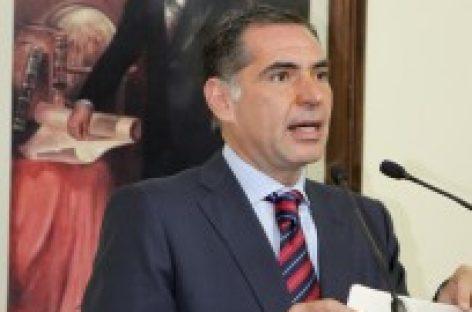 No busco polemizar con Ulises Ruiz, en materia seguridad, sino ver que se puede mejorar, reculó Gabino Cué Monteagudo