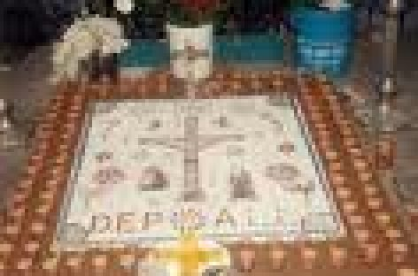 "Buscan retomar técnica de ""levantada de cruz"" con tapetes monumentales"