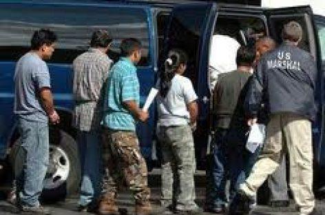 Anuncia EU récord de deportaciones en 2010