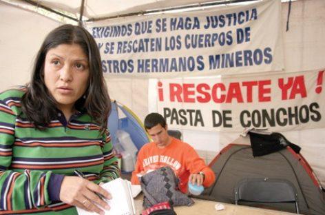 En  Twitter Felipe Caderón aseguró estar conmovido del rescate de mineros chilenos;  a los de Pasta de Conchos los abandonaron: CNDH