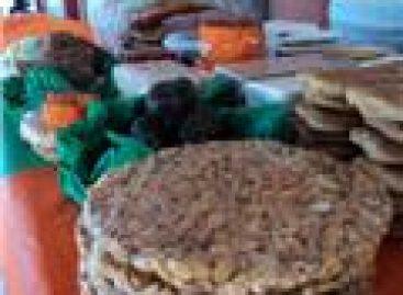 """""""Por los suelos"""" las ventas en festividades de muertos, en Tlaxiaco"""