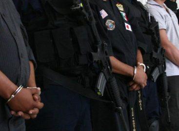 Policías atacan a reportero en Candiani