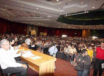 <strong>Ni panista o priista al gobierno estatal de Michoacán: AMLO</strong>