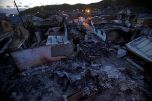 El olor a humo y pólvora permanece en la provincia de Yeonpyeong.