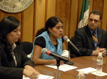 Educación, arma contra la ignorancia: Eufrosina Cruz