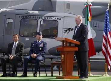 De la  iniciativa Mérida EU entrega dos helicópteros de guerra a México