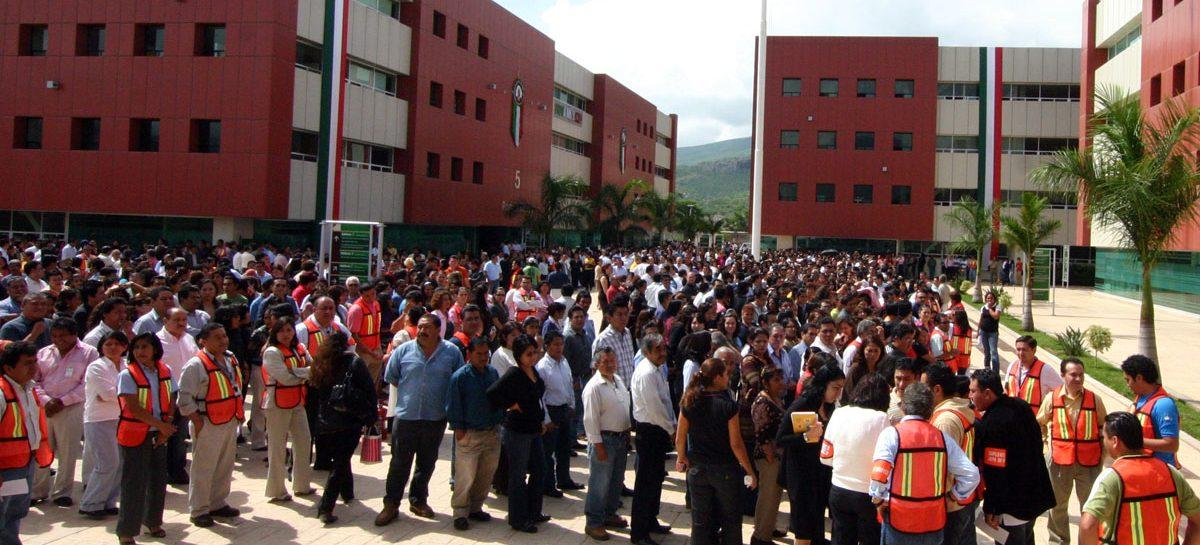 Bloquean habitantes de Juquila Ciudad Administrativa