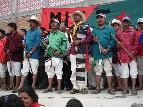 Mult toma oficinas de tr nsito en juxtlahuaca y retiene a for Oficina consumo santiago