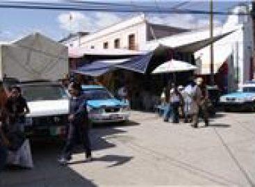 Caos por ambulantaje en la zona centro de Tlaxiaco