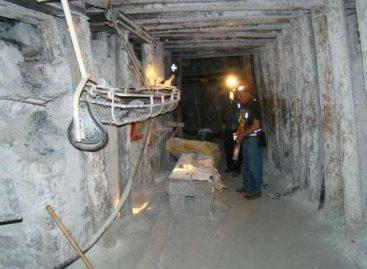 Protestan mineros oaxaqueños ante posible cierre de yacimientos de Totolapan