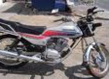Detienen a hojalateros y albañil implicados en robo de motocicleta