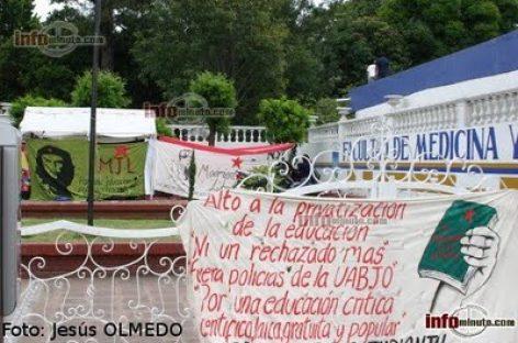 Rompen negociaciones estudiantes de Medicina y autoridades de la UABJO