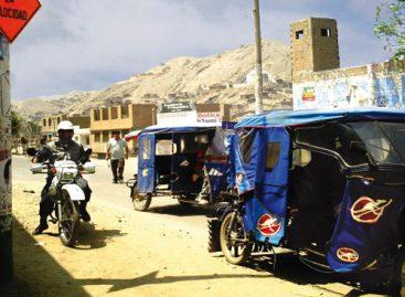Caos en el centro por manifestación de mototaxistas y colonos; bloquean durante cuatro horas