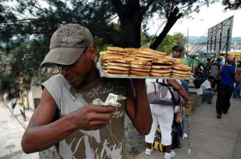 Desactivan manifestación de ambulantes; APPO anuncia mitin en el Zócalo