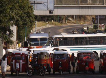 Exigen taxistas a Cotran no entregar más concesiones