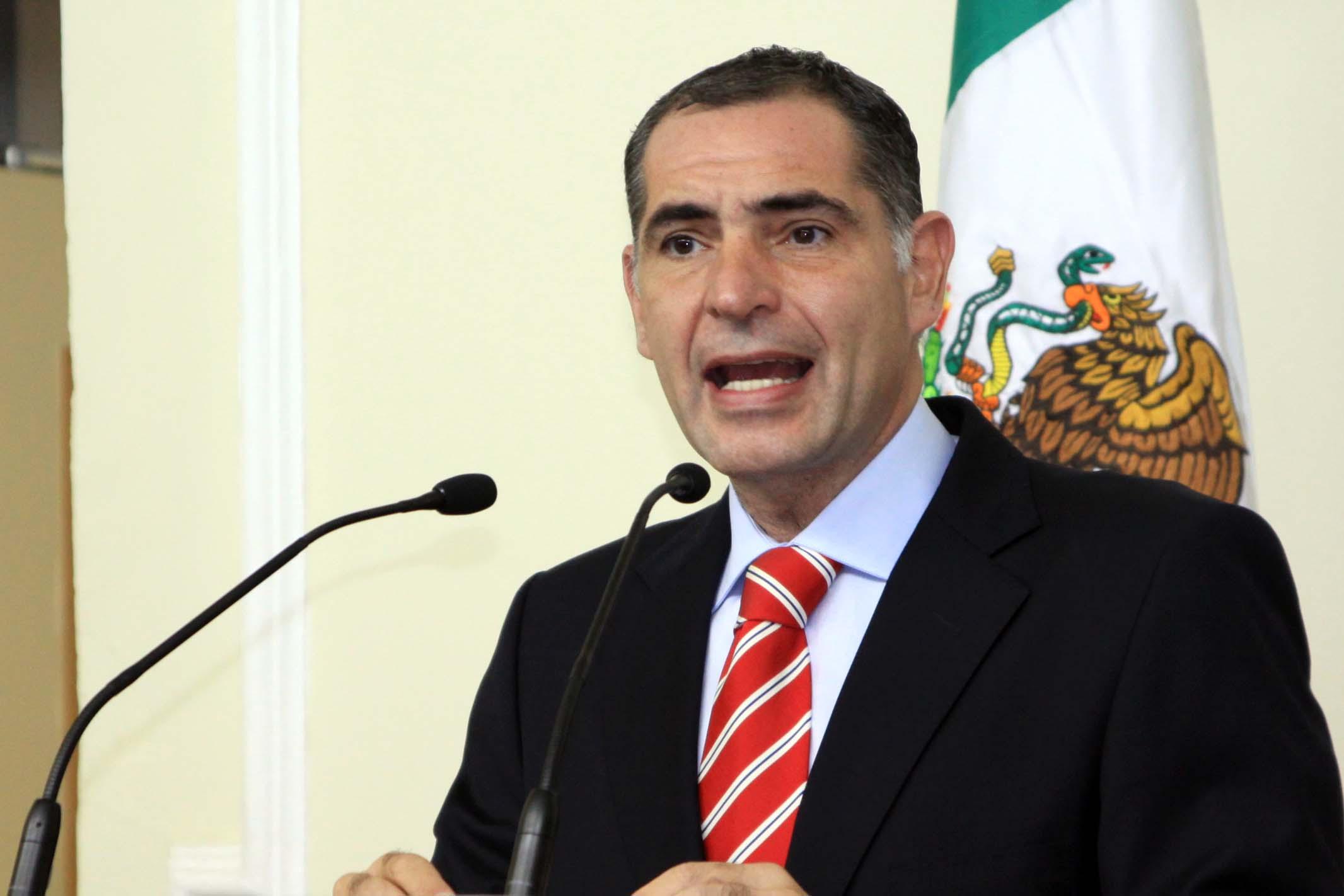 Gabino-Cue gobernador electo
