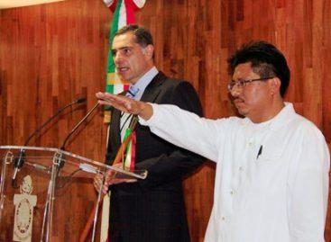 Nombran a ex asesor del EZLN, Adelfo Regino, secretario de Asuntos Indígenas de Oaxaca