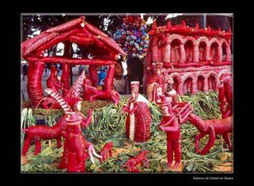Los que hacemos posible Oaxaca Entrelíneas deseamos sean felices está Navidad y siempre, al lado de sus seres queridos