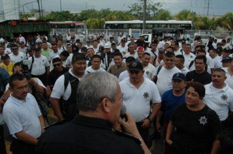 Se declaran en paro policías de Santa Lucía