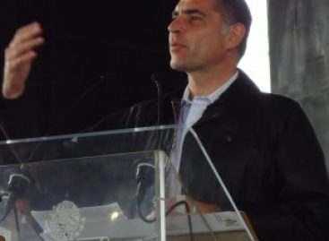 Ataques a periodistas y cancelación de noticiero en 52 días de gobierno, de Gabino Cué