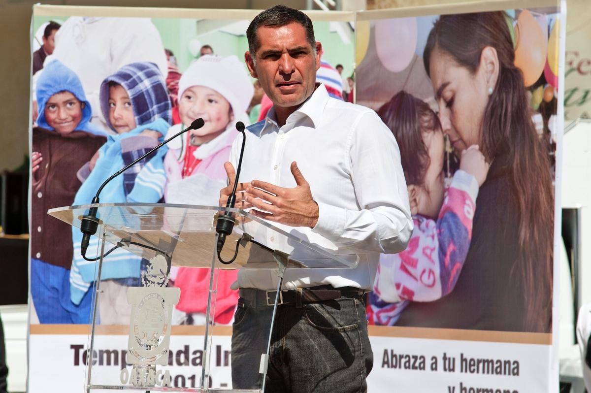 Gabino Gobernador - Caravanas de la Salud 04[1]