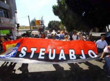 Protesta sindical universitaria desquicia tráfico en Oaxaca, demanda diálogo con Gabino Cué