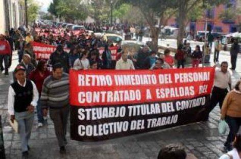 Con bloqueos sindicato universitario, consigue audiencia con Gabino Cué